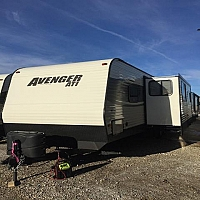 2017 FOREST RIVER AVENGER 27DBS