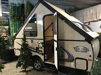 2017 FOREST RIVER VIKING V12RB
