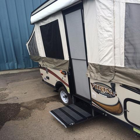 2015 FOREST RIVER VIKING 1906ST