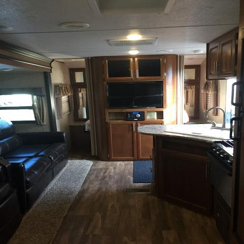 2017 FOREST RIVER TRACER 270AIR