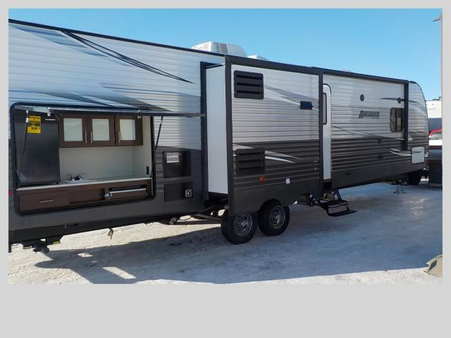 2018 FOREST RIVER AVENGER 32 BIT