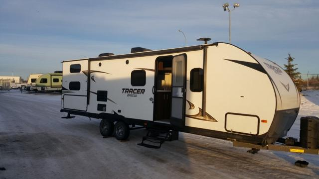 2018 FOREST RIVER TRACER 26 DBS